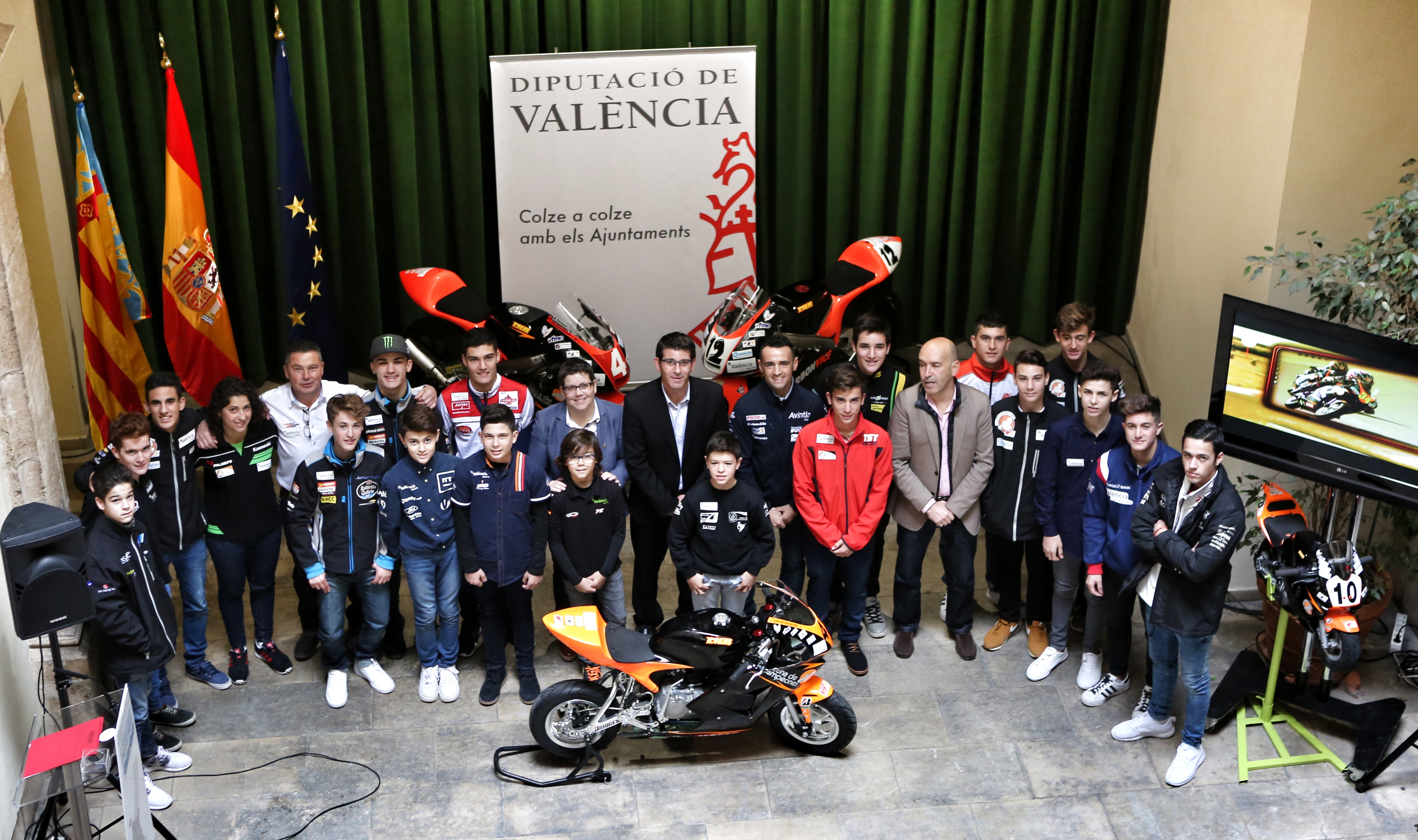La corporación que preside Jorge Rodríguez mantiene su implicación con la Cuna y la Fórmula de Campeones, las canteras de motos y karting del Circuit Ricardo Tormo.