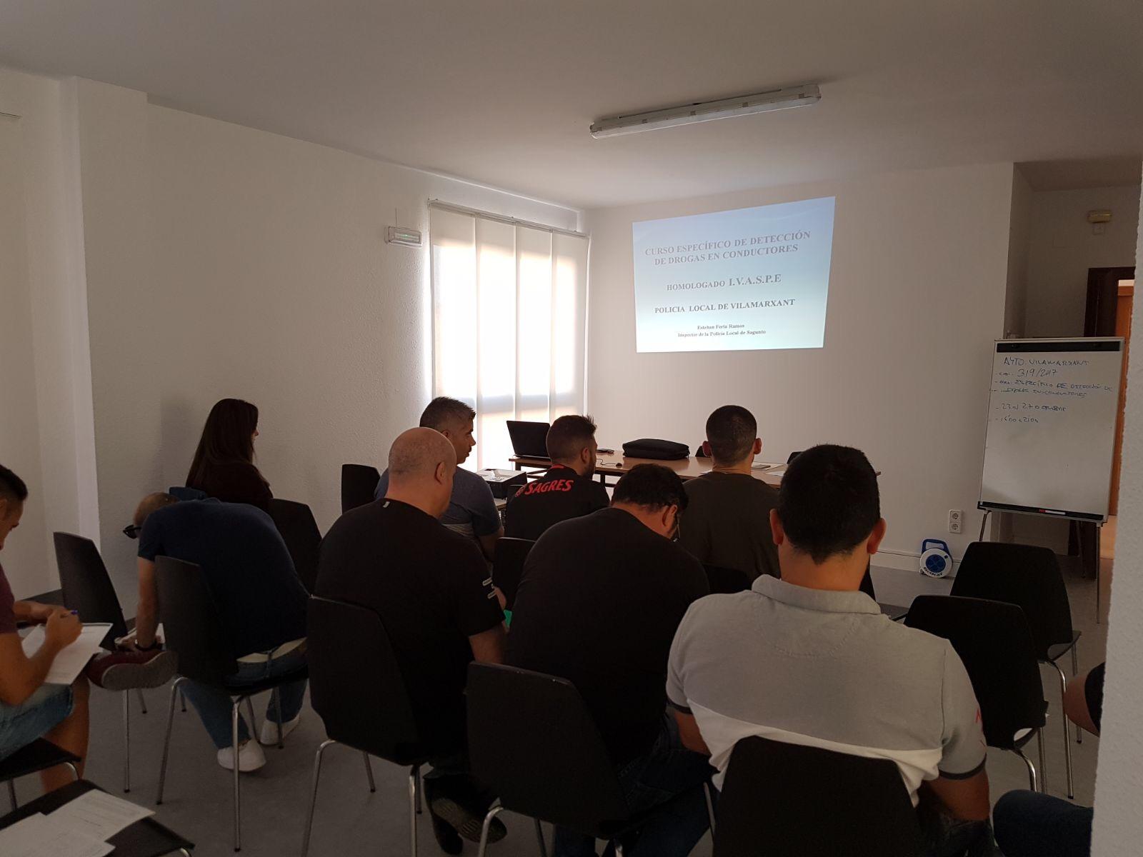 15 agentes han participado en un curso de 25 horas de formación.