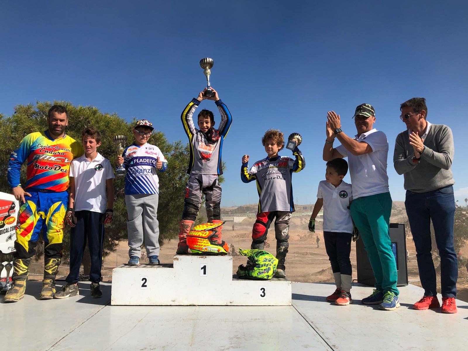 El joven piloto Vicente, Vin, ha vuelto a subir a lo más alto del podio. Foto: Elio Zanón.