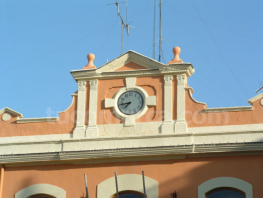 """Rafael Climent participa en la jornada """"Empleabilidad y competitividad empresarial"""" que se desarrolla en Cheste."""