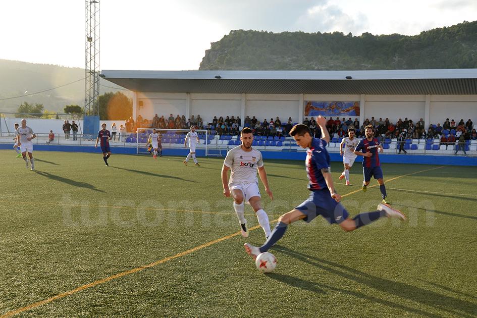 El CD Buñol y la UD Alzira han firmado un empate en el Beltrán Báguena en el partido de este miércoles.
