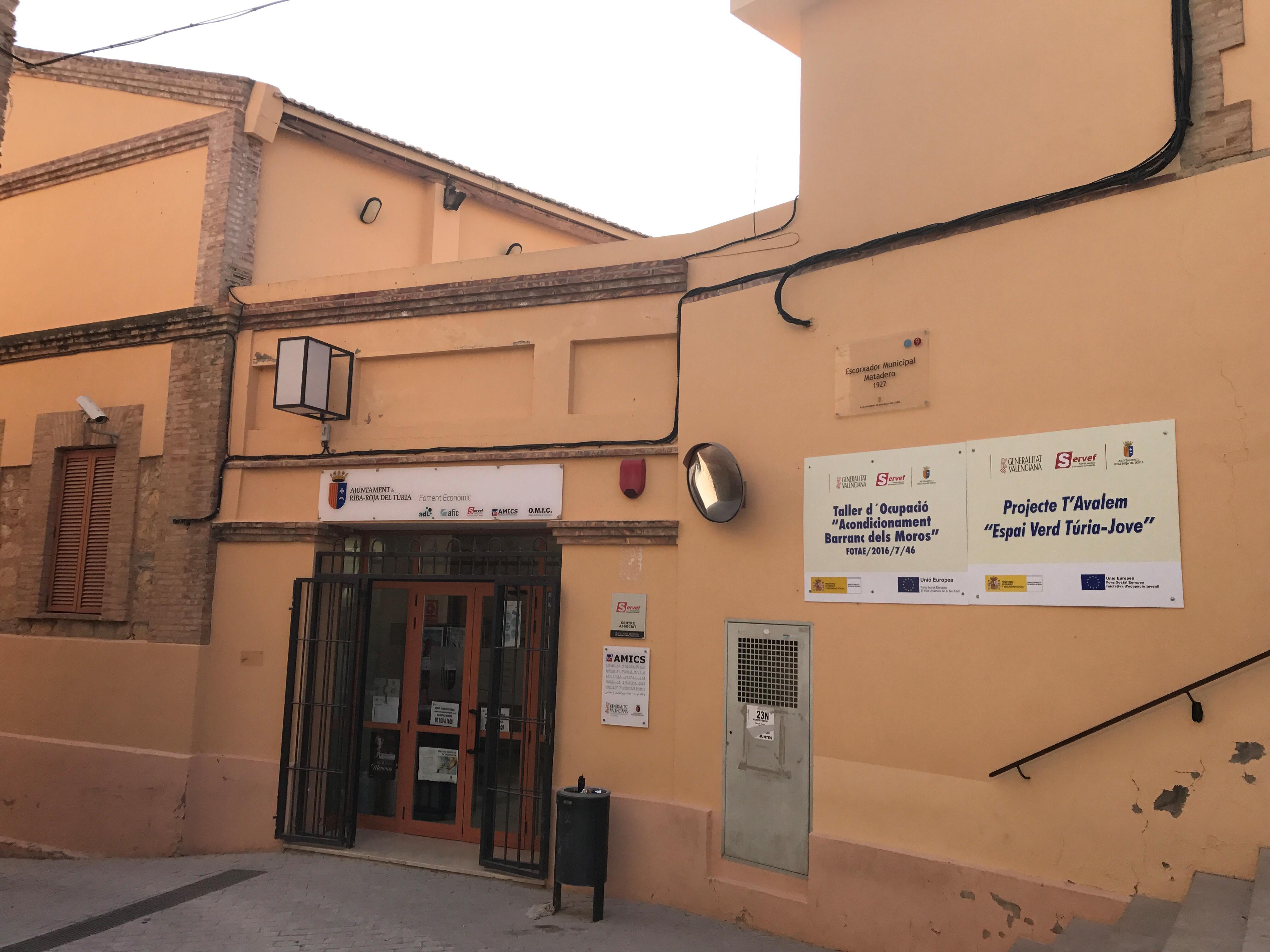 Sesenta personas comenzarán a trabajar a partir del próximo mes de diciembre gracias a la subvención de 742.784,33 euros que el Servef ha concedido al Ayuntamiento de Riba-roja a través de tres planes de empleo.