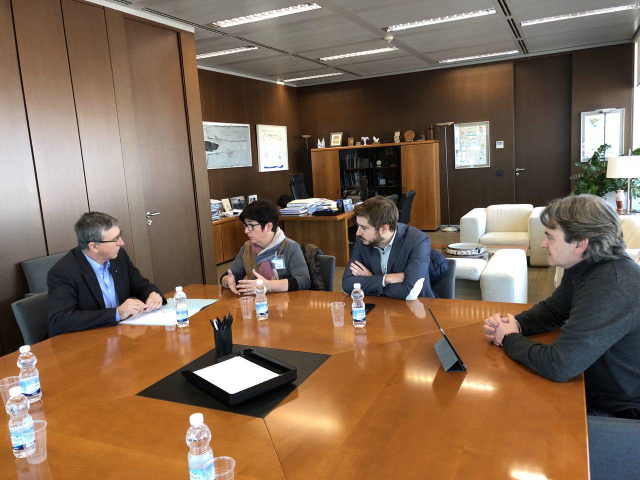 La alcaldesa, Juncal Carrascosa, junto a los tenientes de alcalde, Rafael Pérez y Alejandro Agustina, ha solicitado inversiones en infraestructuras en La Hoya y especialmente en Buñol para el próximo ejercicio.