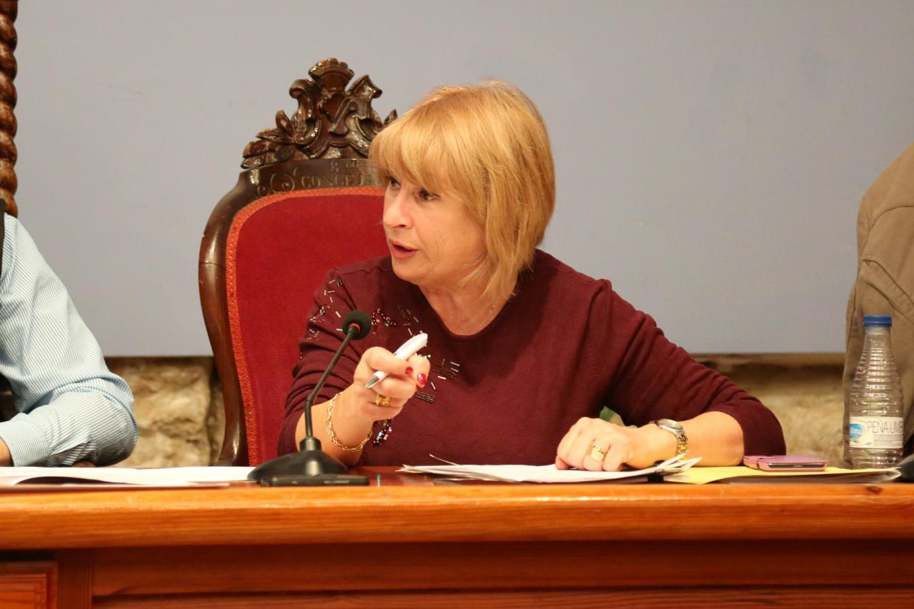 Carmen Delgado cerró su informe agradeciendo el esfuerzo y trabajo de los funcionarios del Ayuntamiento, del personal de la brigada municipal y la Policía Local, así como a Protección Civil.