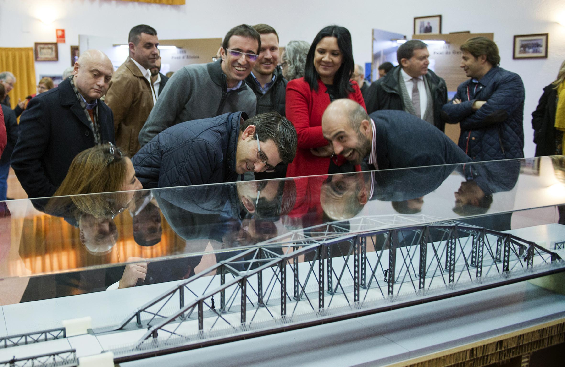 """Rodríguez: """"Los puentes de hierro de La Ribera y la Diputació llevan más de 100 años uniendo pueblos y personas""""."""