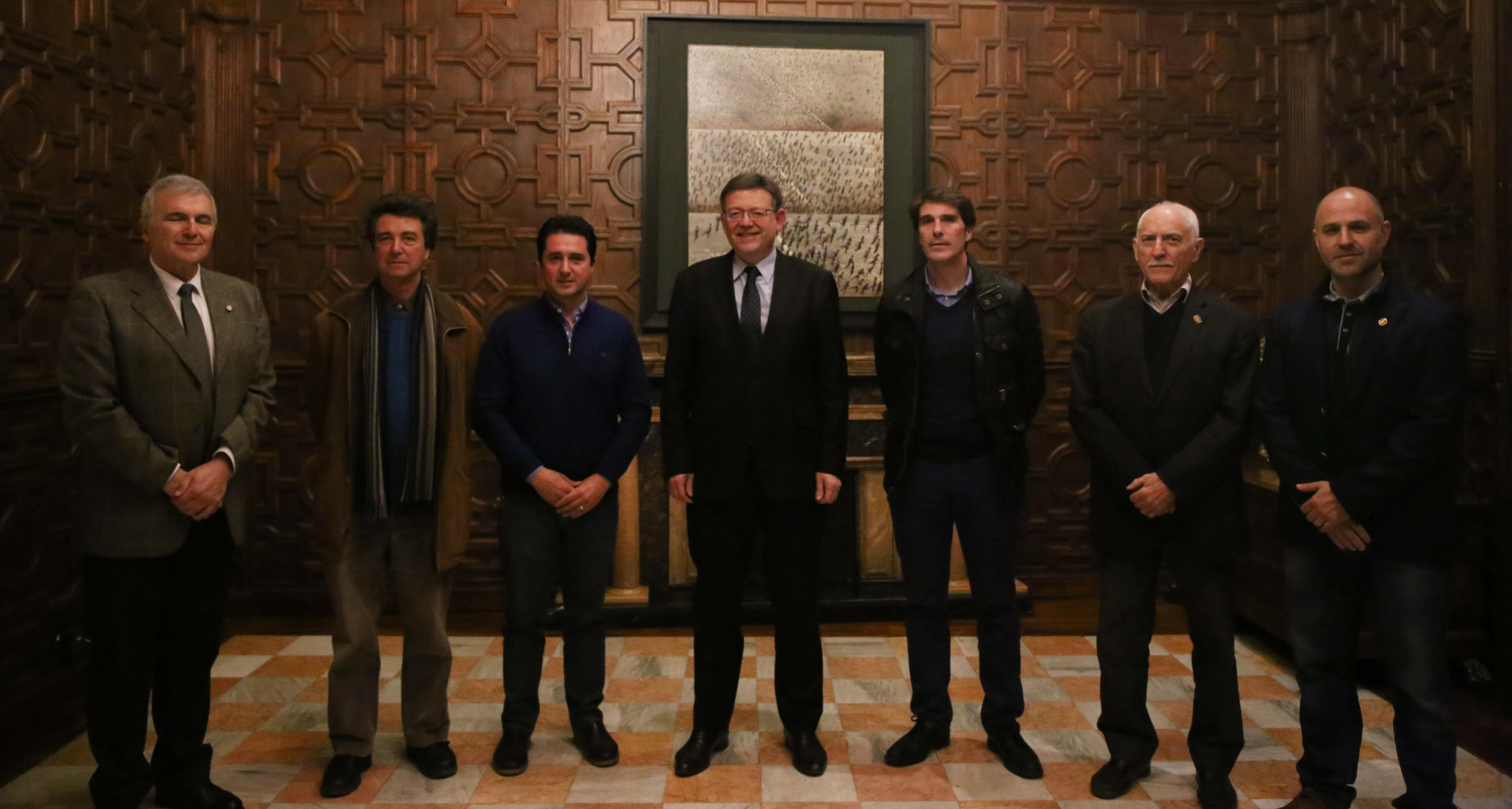 El President de la Generalitat ha recibido a los representantes de las diferentes formaciones bandísticas de Buñol, Cullera y Llíria.