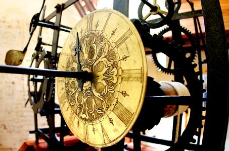 Una imagen del particular reloj de Cofrentes.