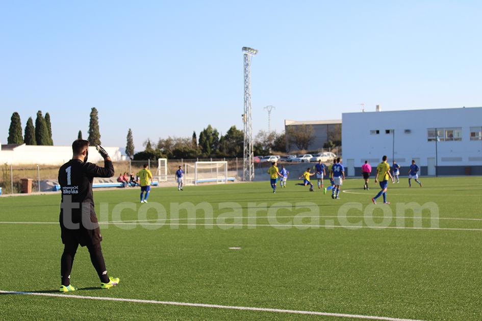 El Camporrobles se ha llevado los 3 puntos frente al Atlético de Macastre. Foto: Raúl Miralles.
