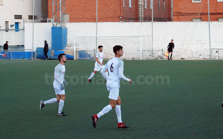 El CD Buñol ha logrado un gran triunfo frente al Roda al que ha vencido por 3 goles a 2. Foto: Raúl Ferrer.