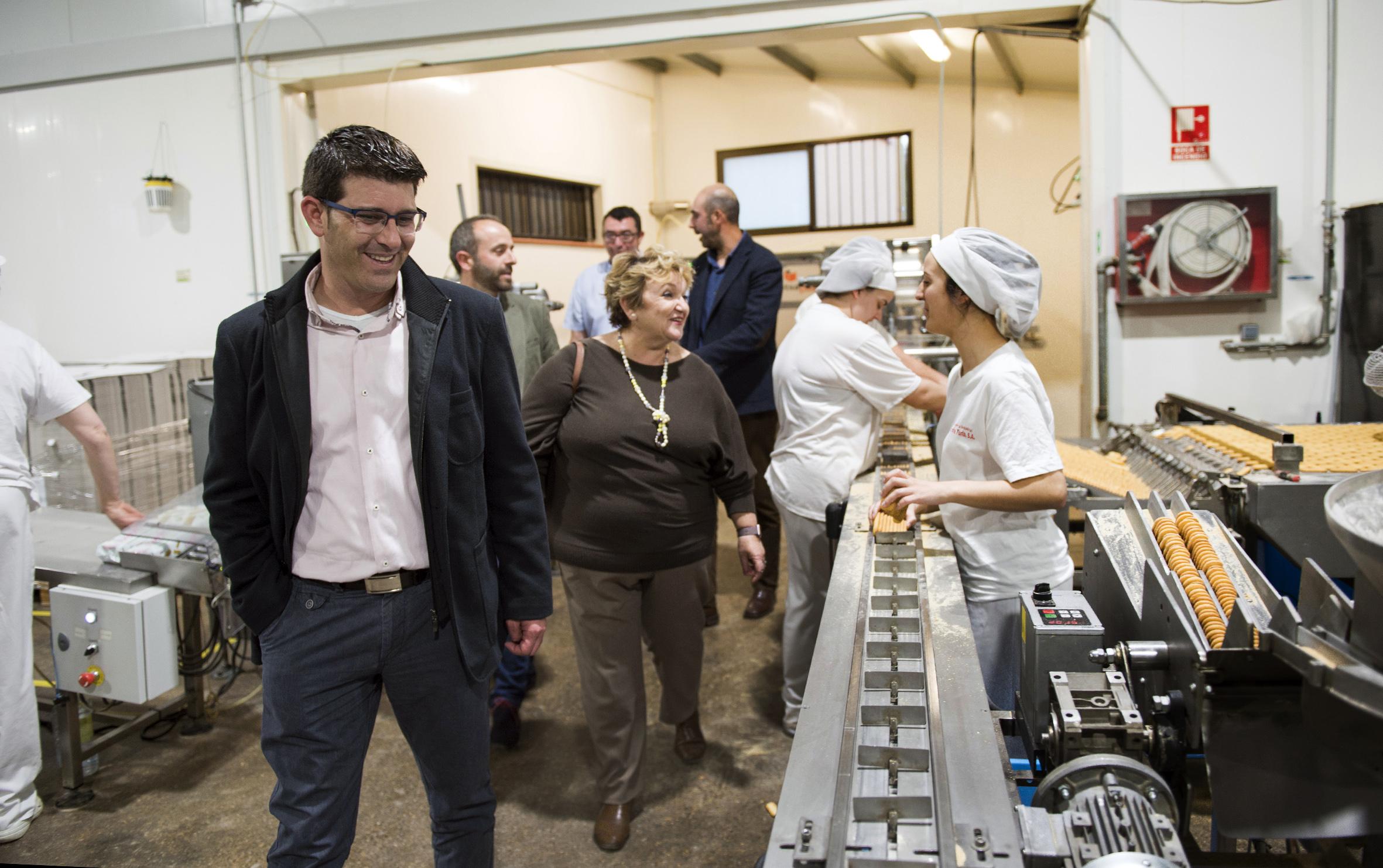 Jorge Rodríguez y la diputada Conxa Garcia visitan Titaguas.