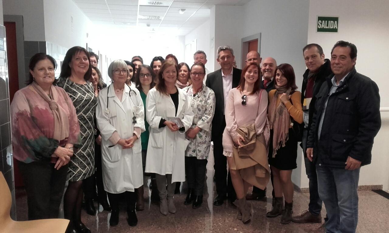 El Centro de Salud de la Pobla de Vallbona atiende a un total de 22.500 personas; de los cuales 18.100 son adultos y 4.400 menores de 14 años.