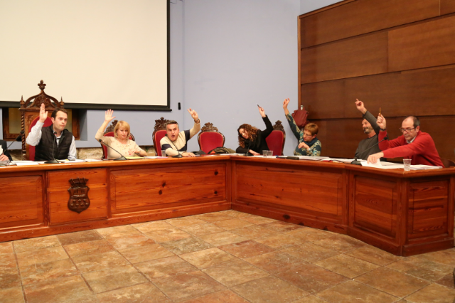 Una imagen del pleno de Cheste donde se han aprobado los presupuestos municipales para 2018.