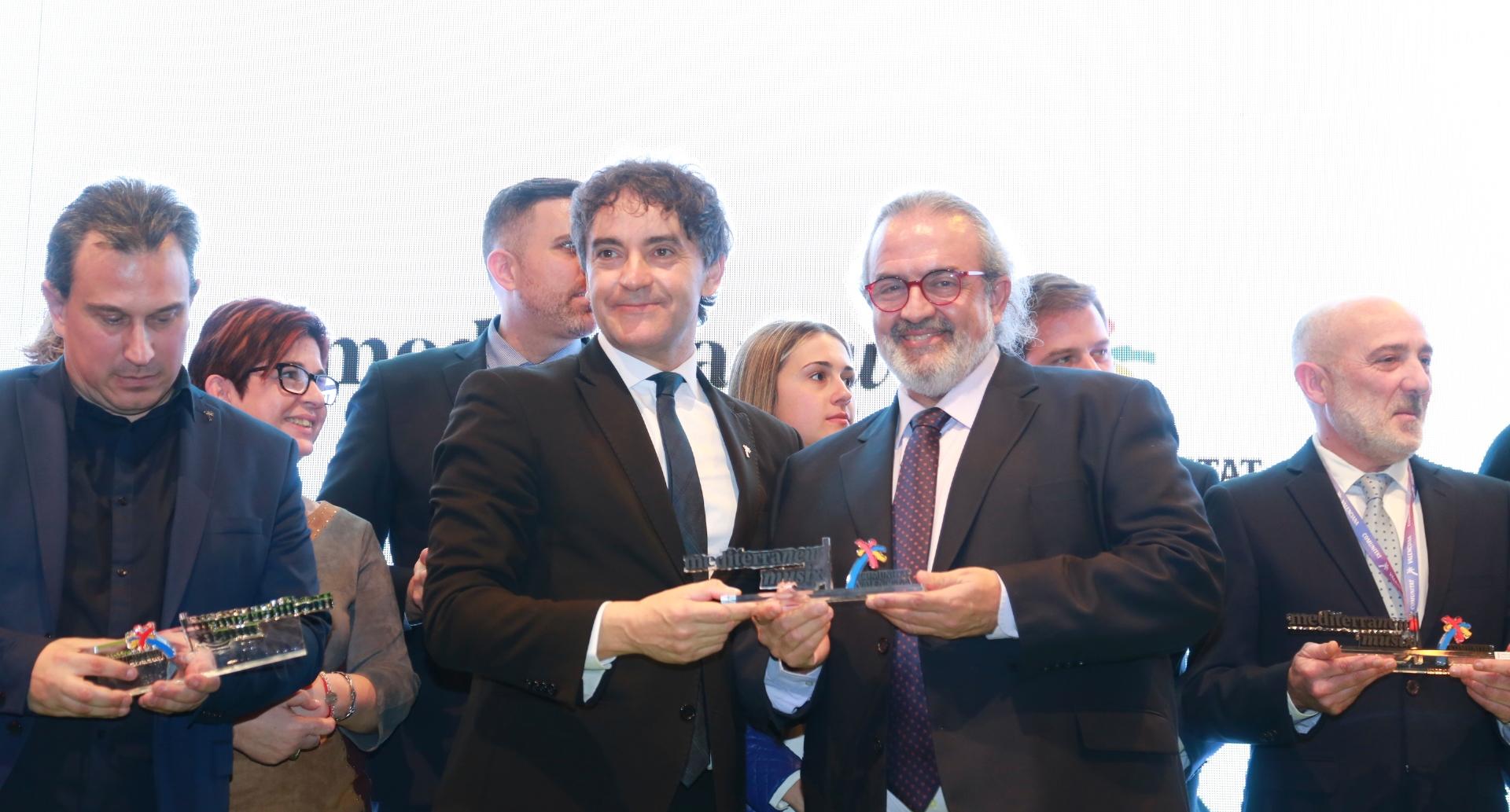 El secretario autonómico Francesc Colomer ha entregado el reconocimiento a Pedro Rodríguez.