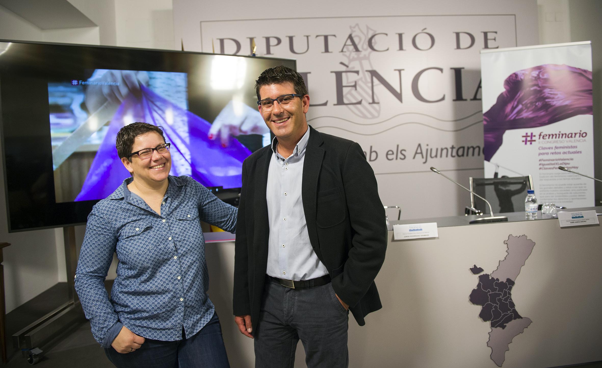 El president de la Diputació Jorge Rodríguez junto a la diputada de Igualdad, Isabel García.