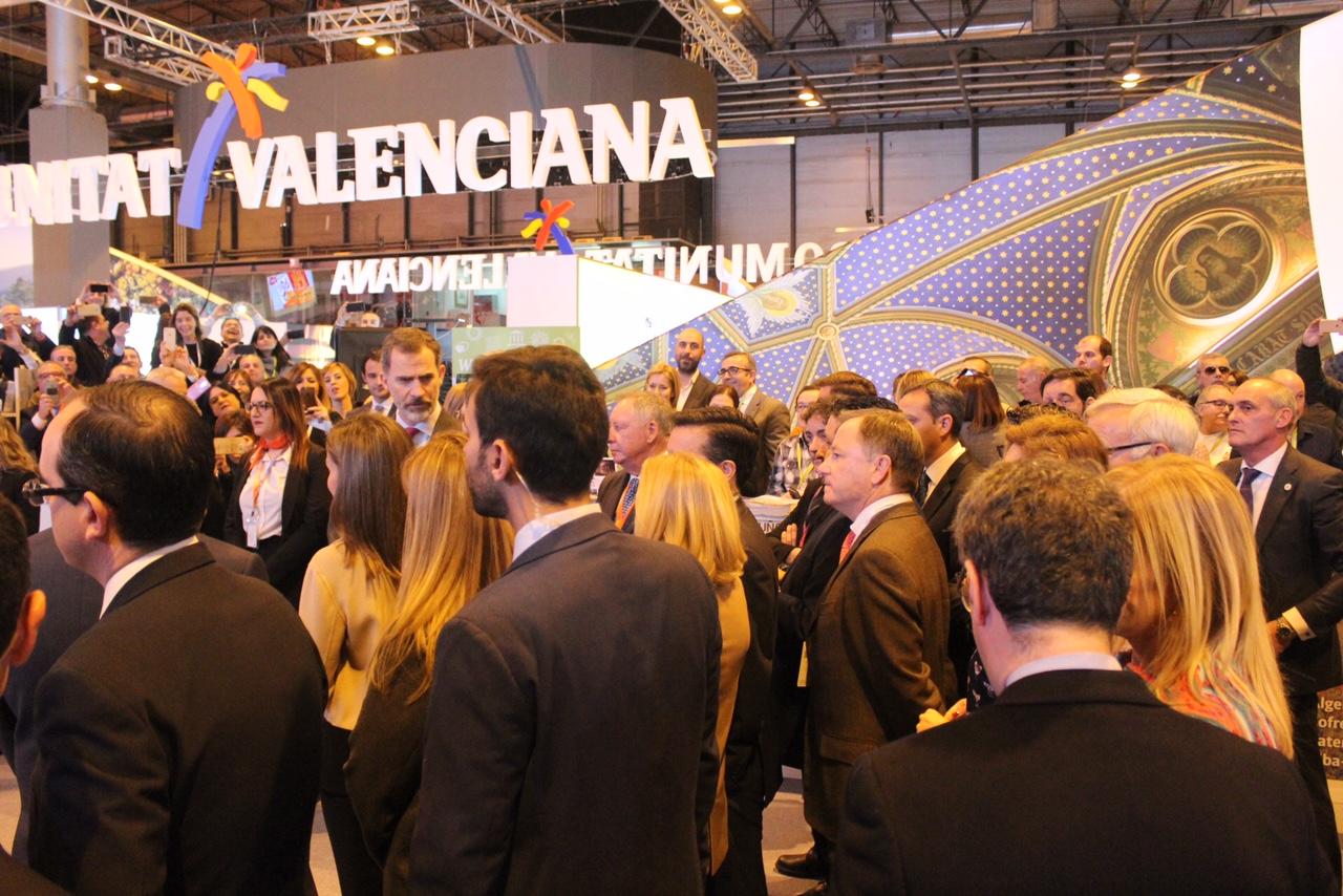 El delegado visita la oferta turística de la Comunitat Valenciana en el Pabellón de Ifema de Madrid para trasladar el apoyo del Gobierno a los municipios valencianos que muestran al sector su calidad turística.