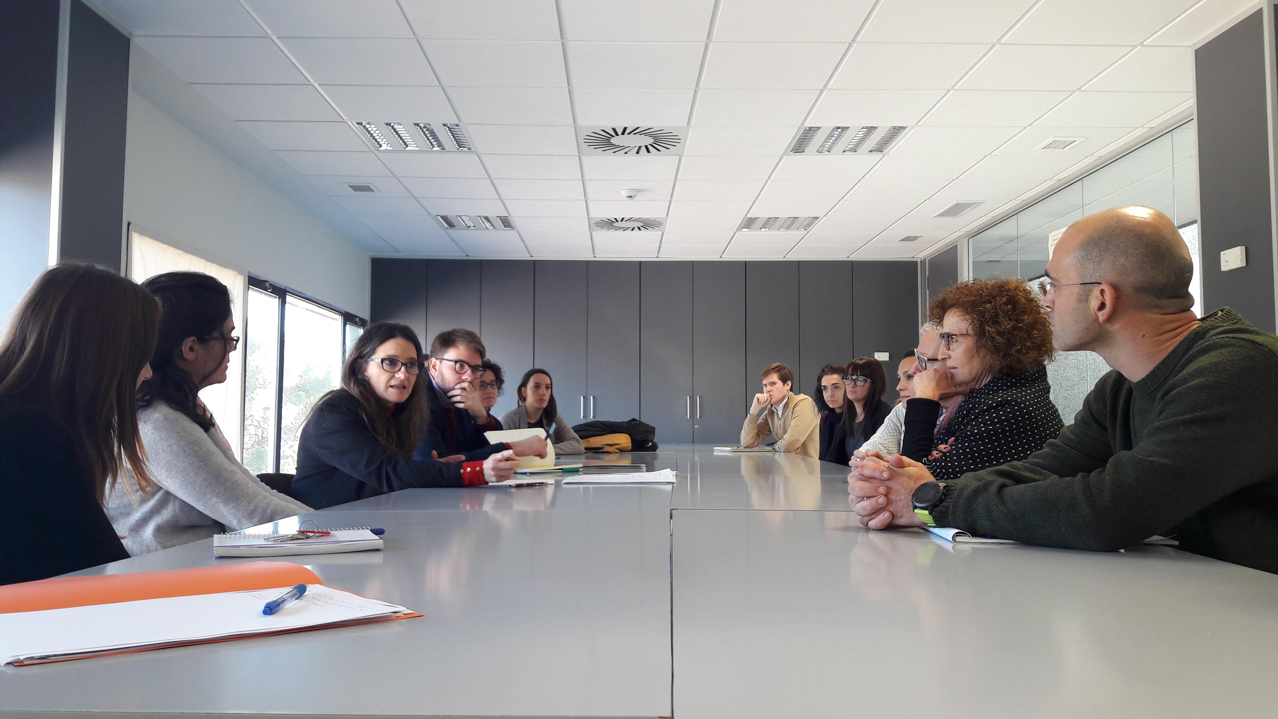 Mónica Oltra ha mantingut una reunió amb l'equip de govern municipal de Llíria.