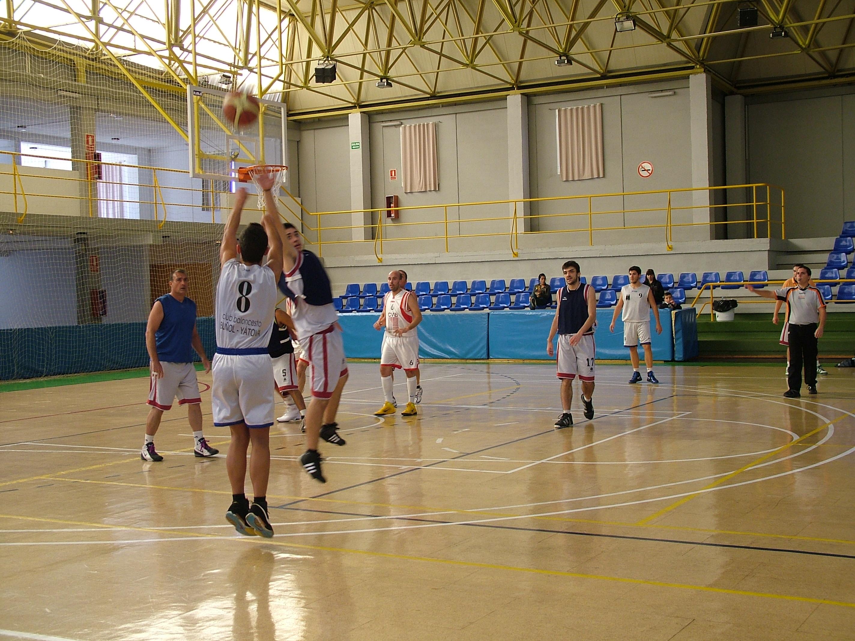 Baloncesto en el Pabellón Municipal de El Planell.