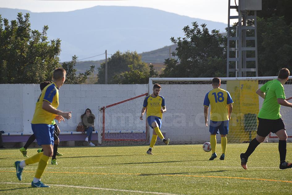 El CD Cheste se juega contra el Zafranar A subir en los puestos de privilegio. Foto: Raúl Miralles.
