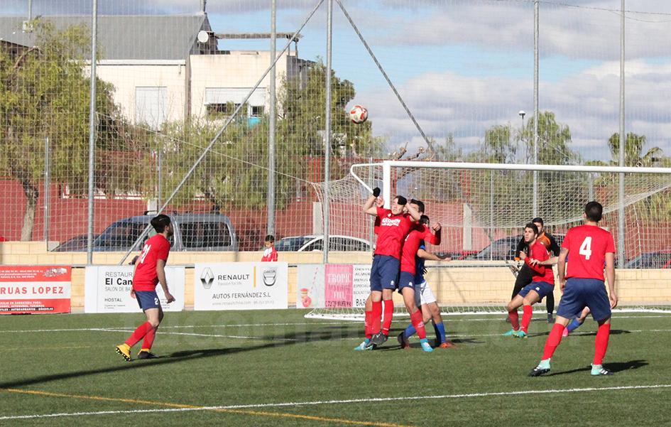 El Chiva CF quiere aprovechar la vuelta a La Murta para retornar a sumar victorias. Foto: Raúl Miralles.