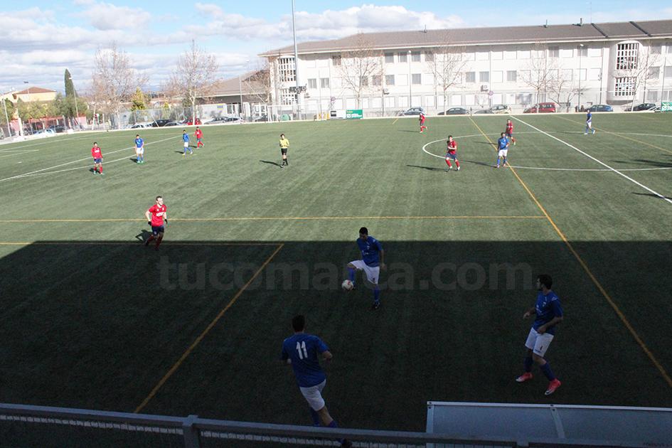 El Chiva CF no ha podido hacer valer el factor campo y ha caído por 3 goles a 2 contra el Mislata. Foto: Raúl Miralles.
