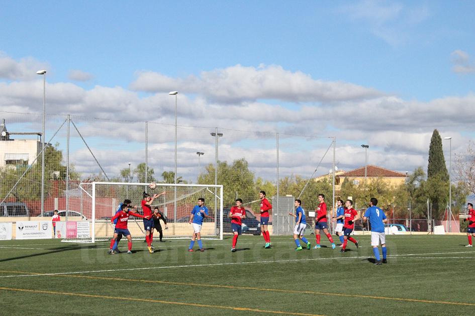 El Chiva CF y el CD Turís han firmado un empate el pasado domingo en el campo de La Murta. Foto: Raúl Miralles Lacalle.
