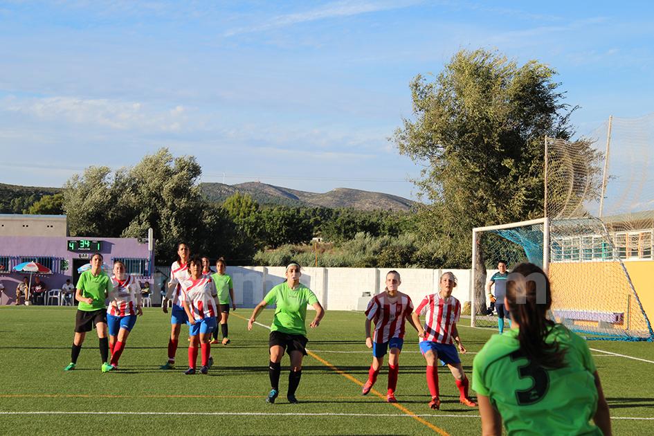 El UD Yátova femenino se ha mostrado infinitamente superior a su rival al que ha goleado por 5-1. Foto: Raúl Miralles Lacalle