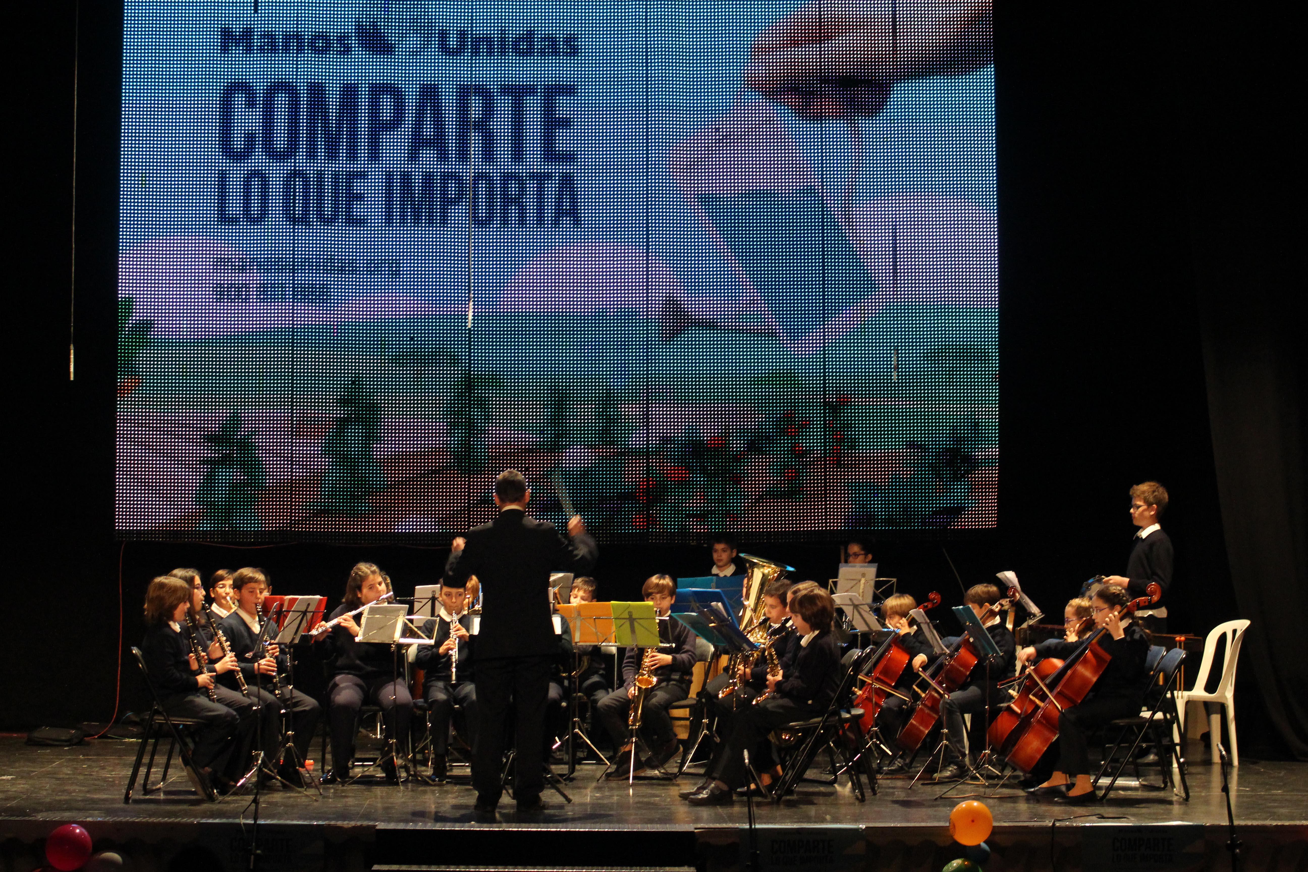 Actuación del conjunto instrumental de la Asociación Musical Banda La Lira de Cheste.