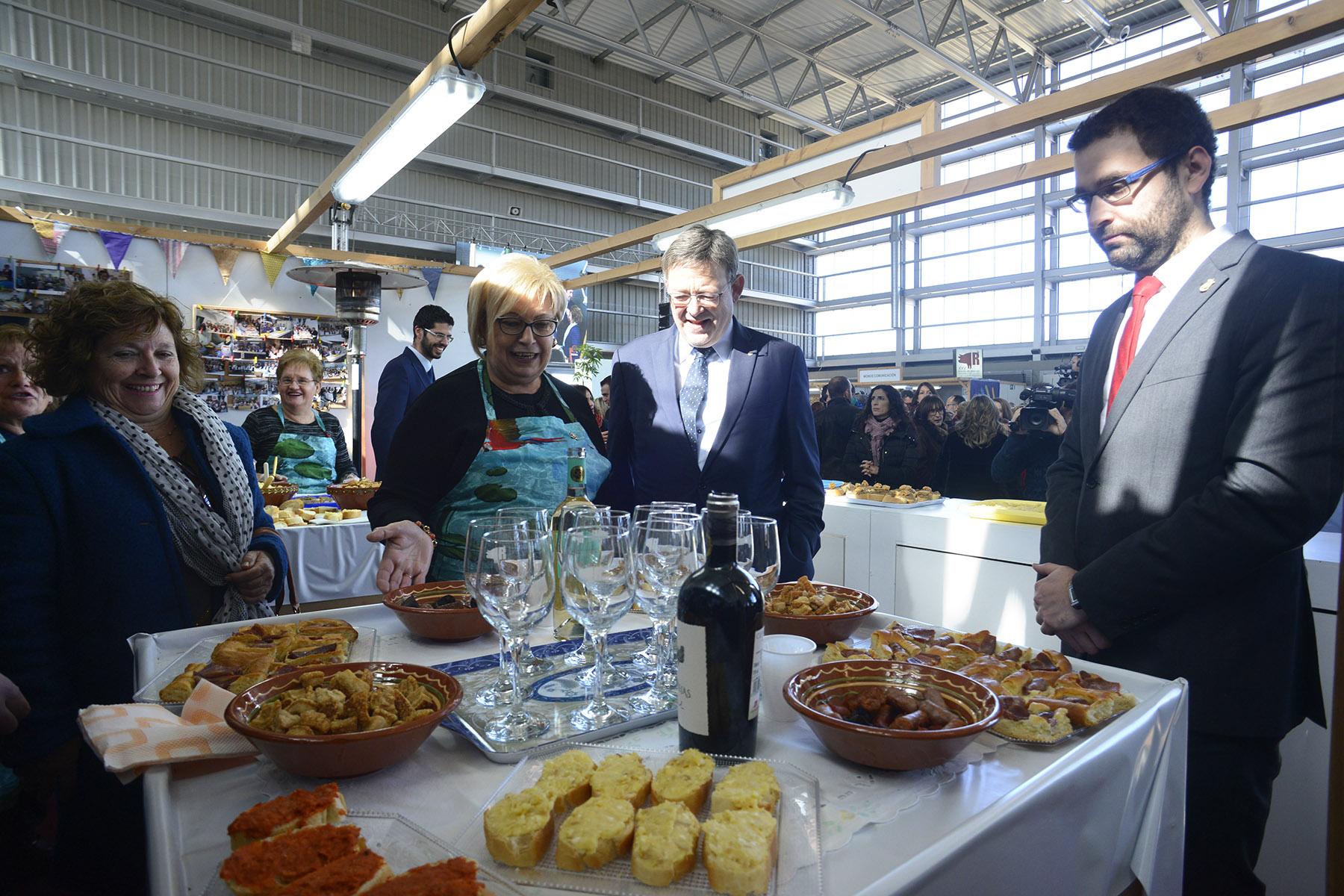 La inauguración de la XXV Muestra del Embutido Artesano y de Calidad de Requena, ha estado presidida por el president de la Generalitat Valenciana, Ximo Puig.