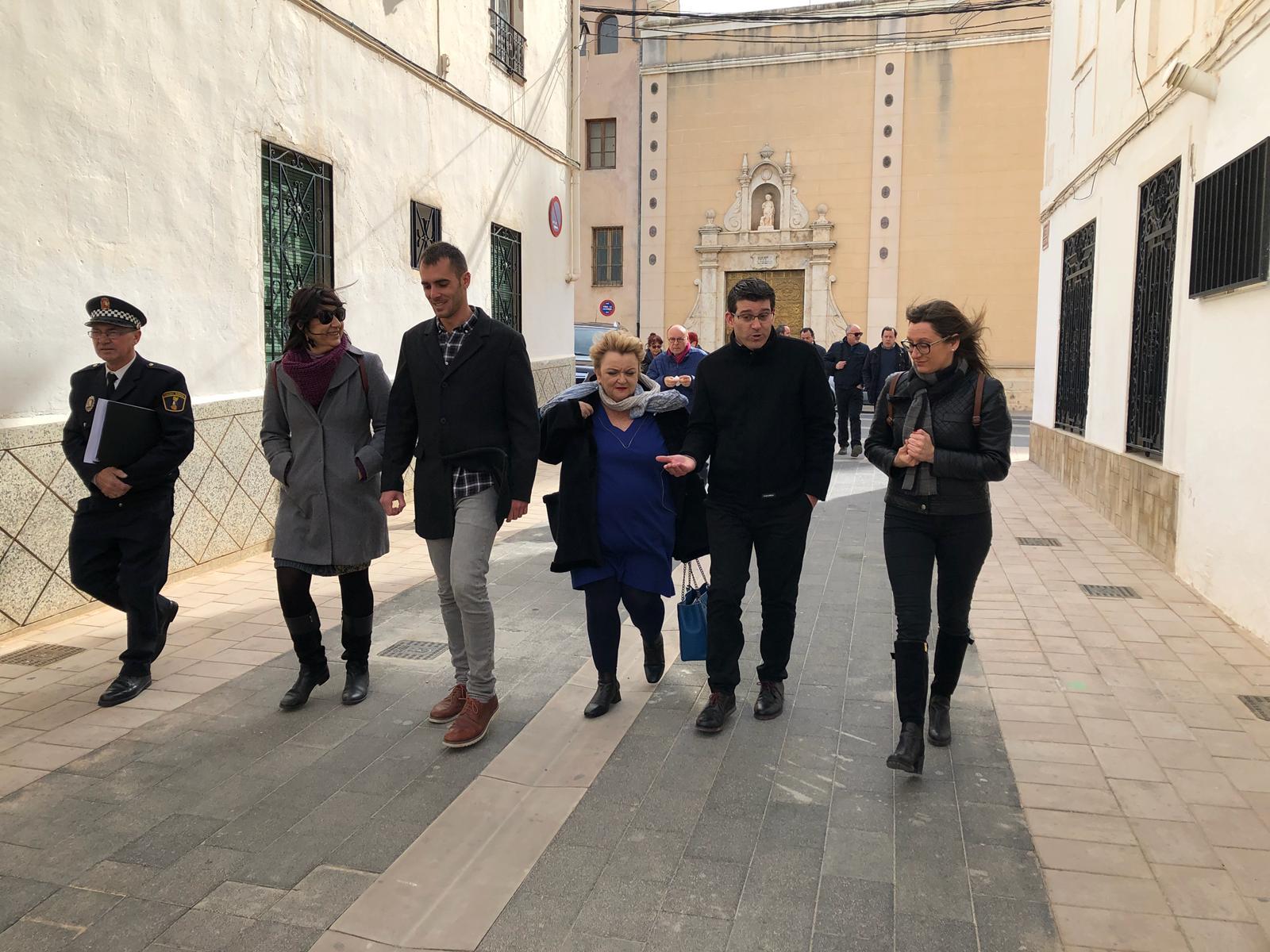 El presidente, Jorge Rodríguez, visita algunas de las mejoras realizadas en el municipio de Los Serranos con fondos de la corporación, que ha invertido 1.160.000 euros en Villar esta legislatura.