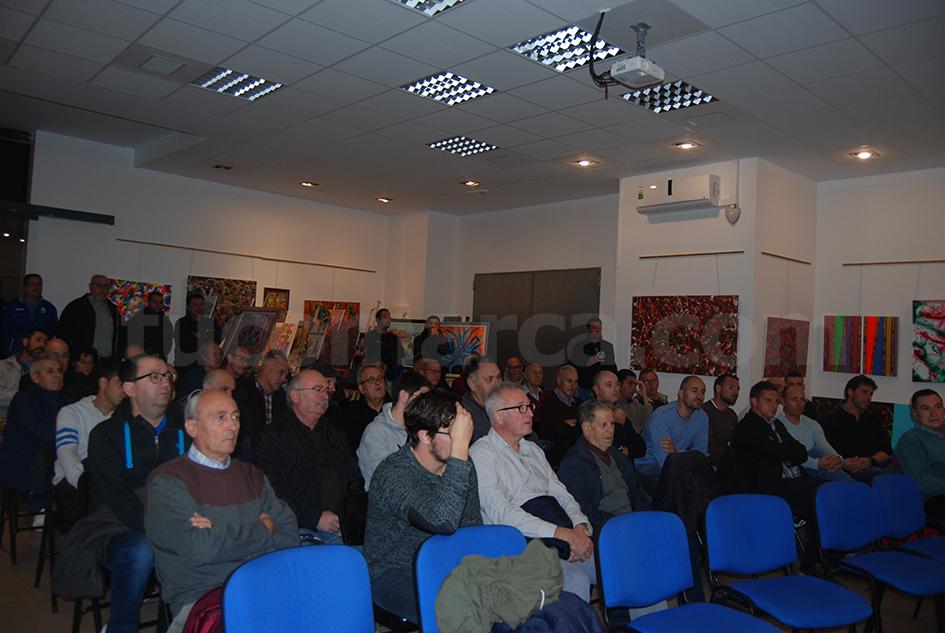 Una imagen de la Asamblea extraordinaria desarrollada en noviembre en el Molino de Galán.