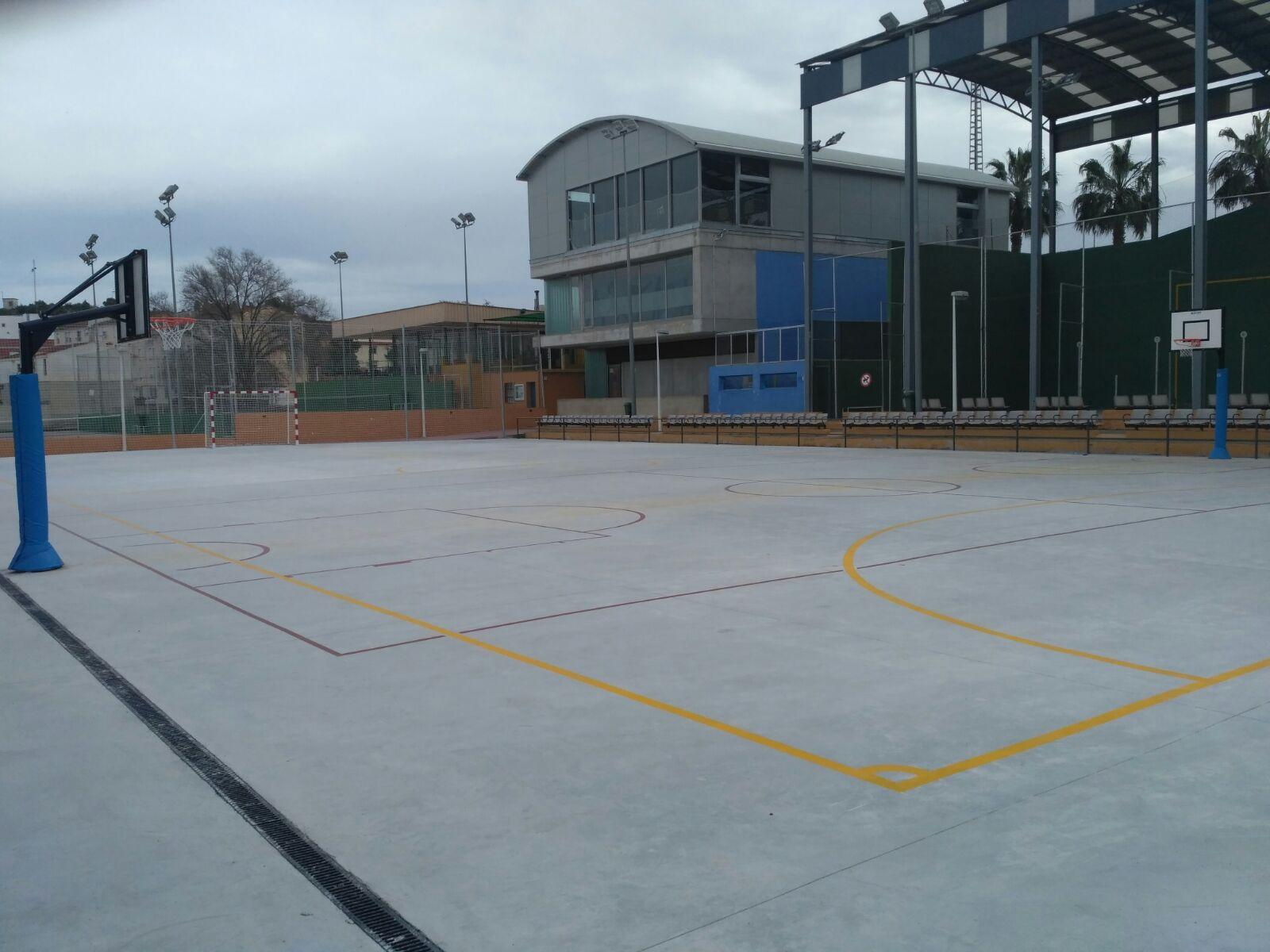 Pista poliesportiva del Poliesportiu Municipal de Vilamarxant.