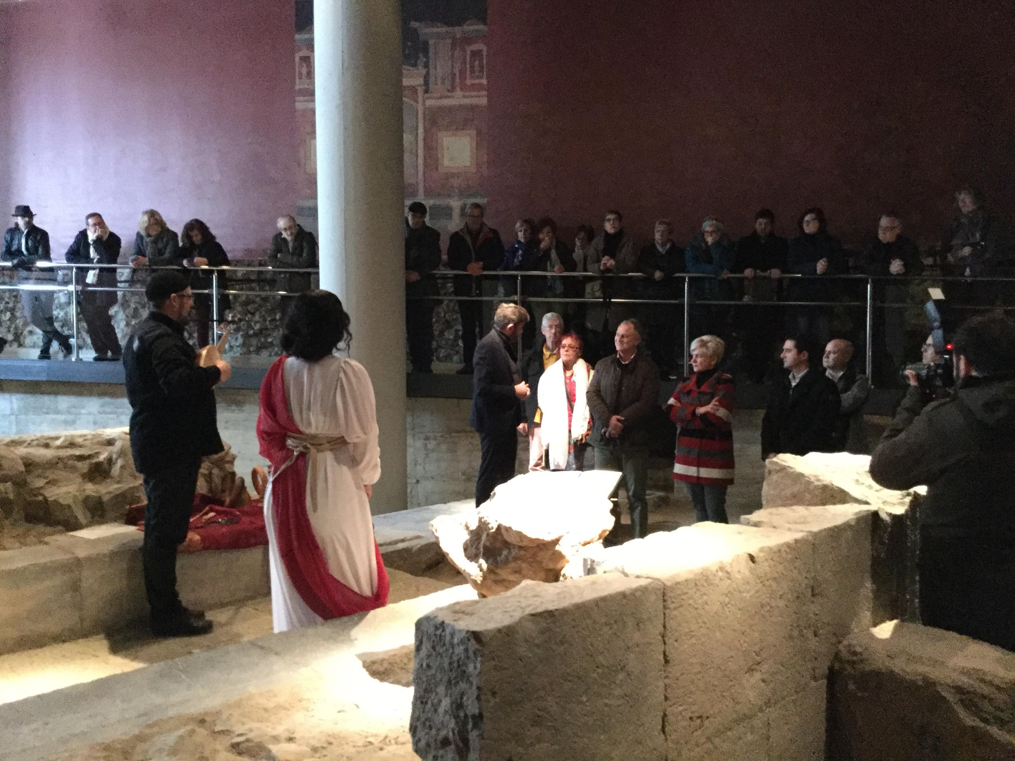 Música i lletra en els Mausoleus Romans de Llíria.