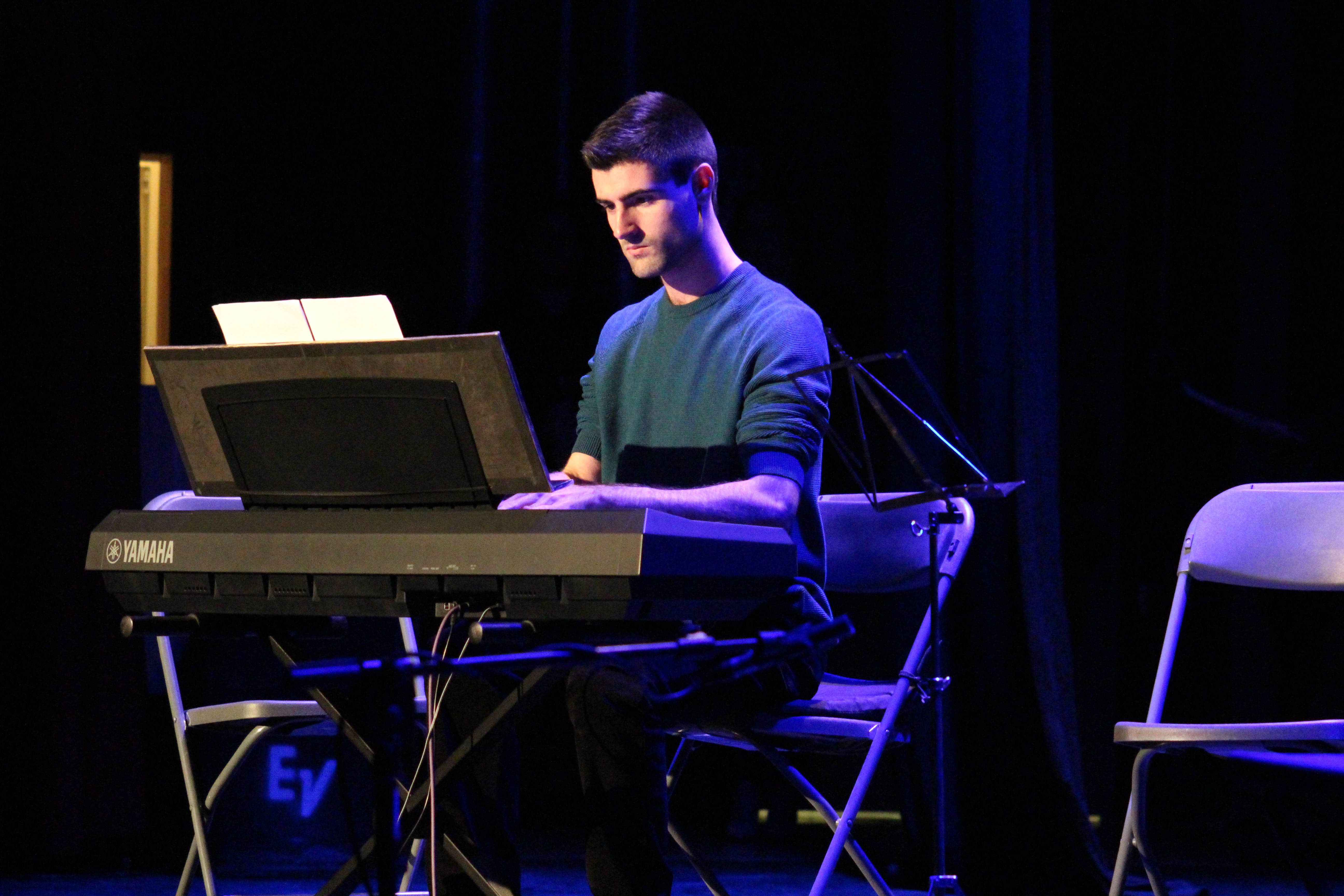 Actuación al piano de Fran Morell.
