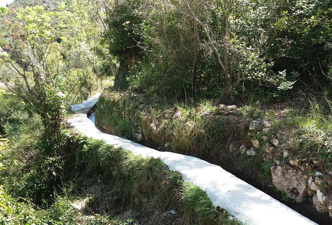 Millares rehabilita su red de acequias de riego con ayuda de la Diputació.