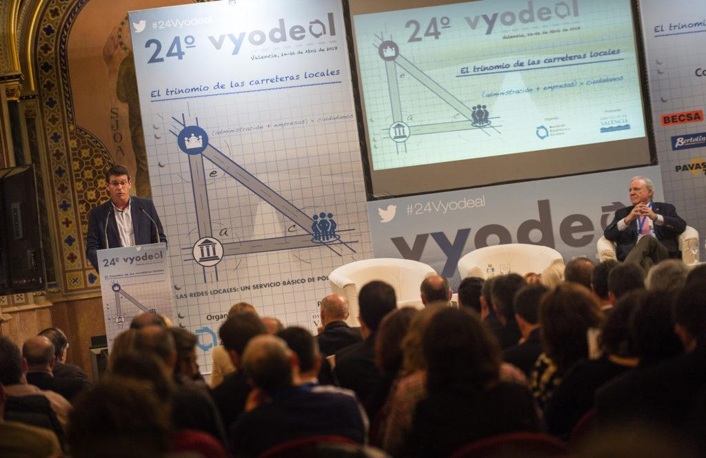El presidente de la Diputació ha expuesto el cambio de paradigma en la gestión de la red viaria provincial en la inauguración del congreso nacional 'Carreteras locales como servicio básico de política social'.