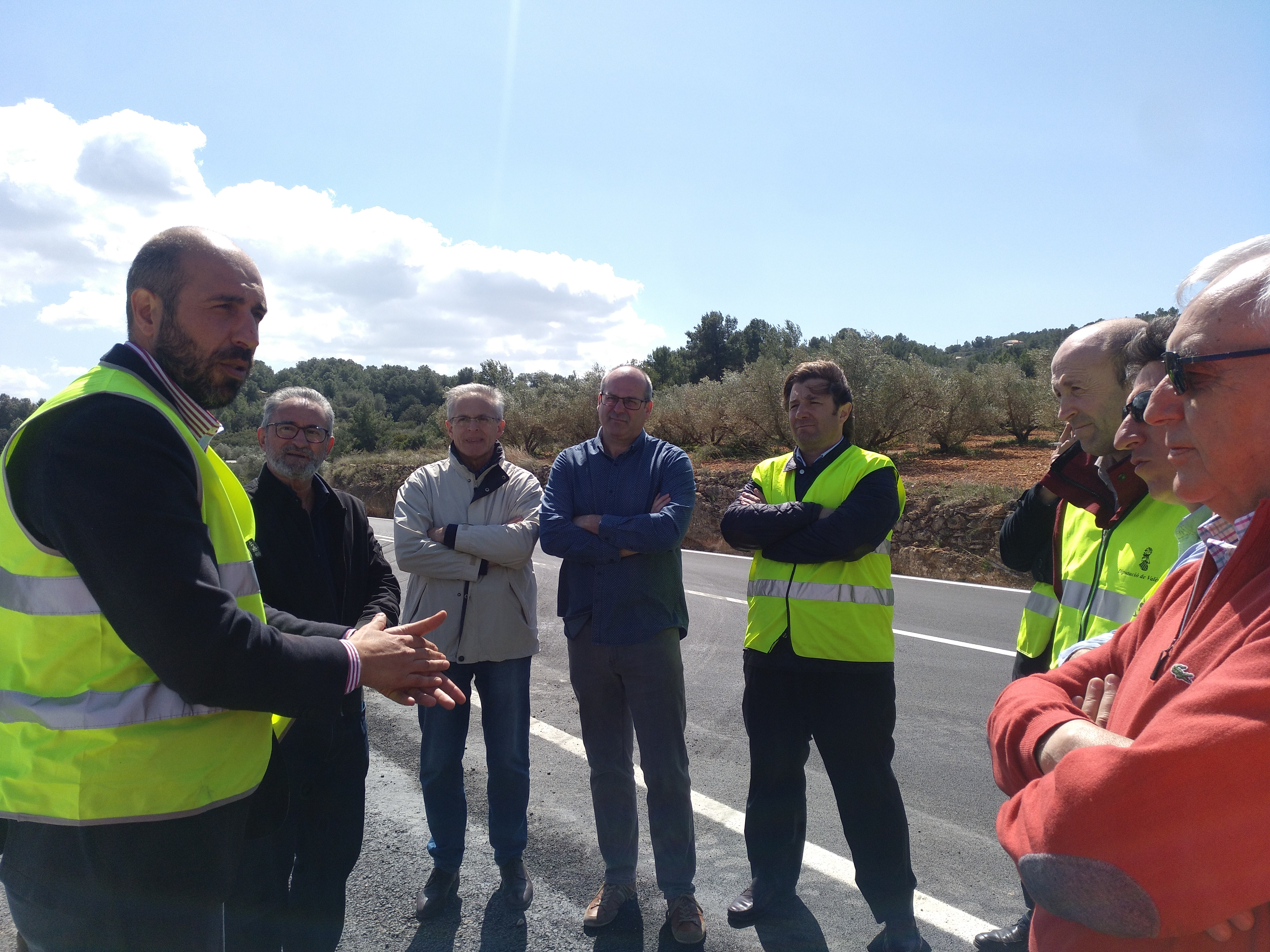 Obras en carretera de Llombai Diputacio Valencia.