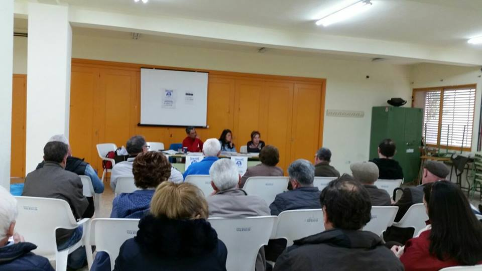 Asamblea de la Plataforma Pro Hospital Comarcal de La Hoya realizada en Buñol.