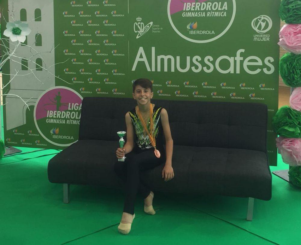 El joven gimnasta del Club de Buñol-Cheste-Turís, Alfredo Roldán.