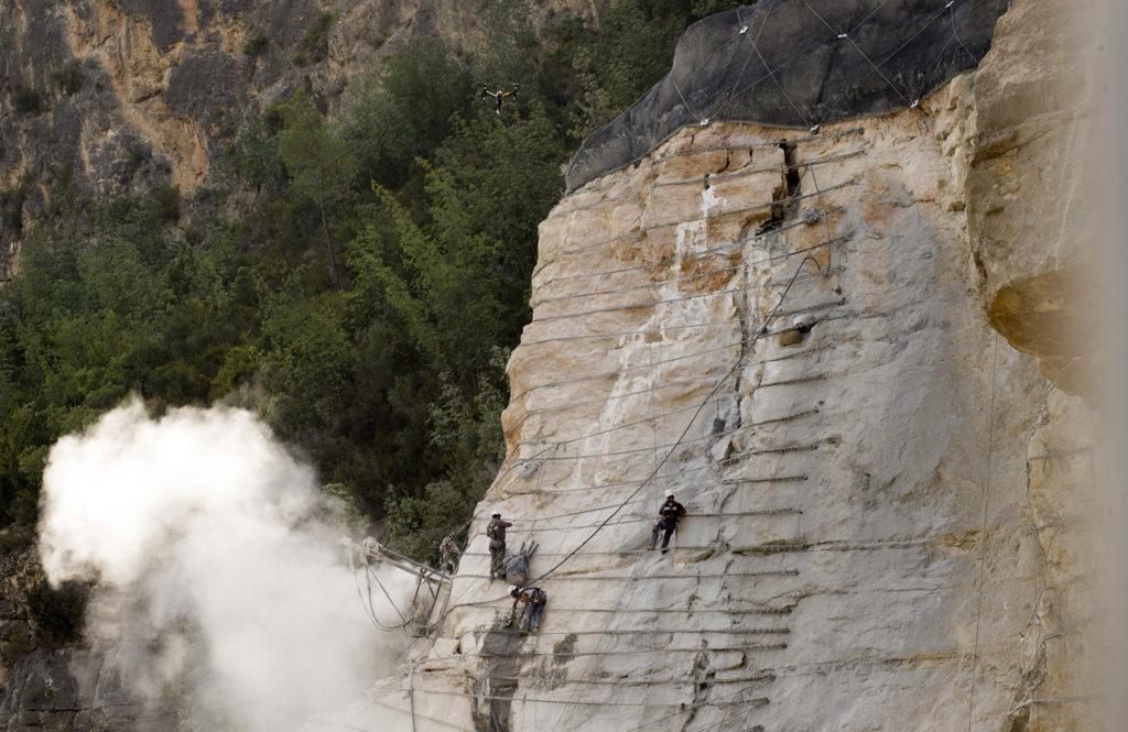 La monitorización de la ladera de Cortes confirma el correcto funcionamiento de los anclajes instalados por la Diputació.