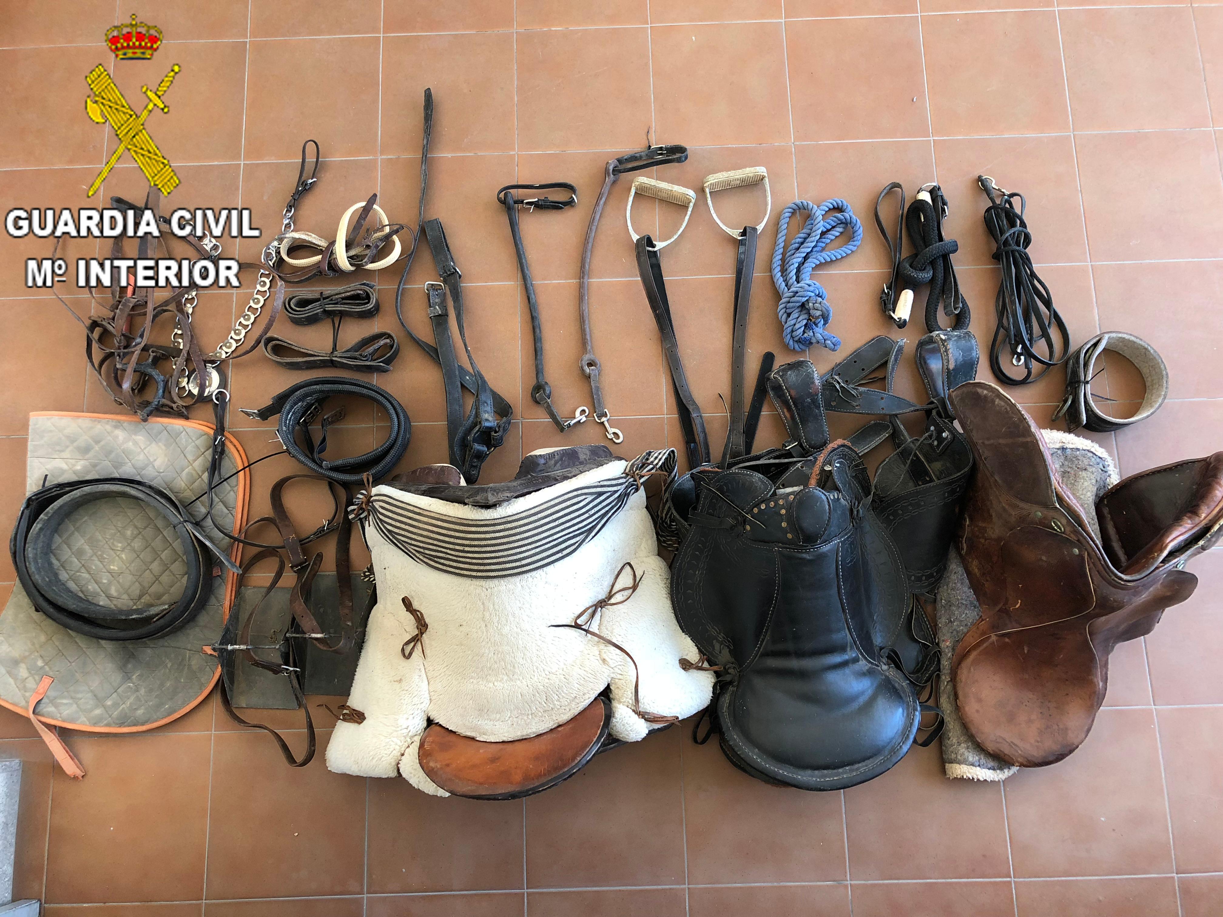 Parte del material robado que ha sido incautado por la Guardia Civil durante las operaciones policiales.