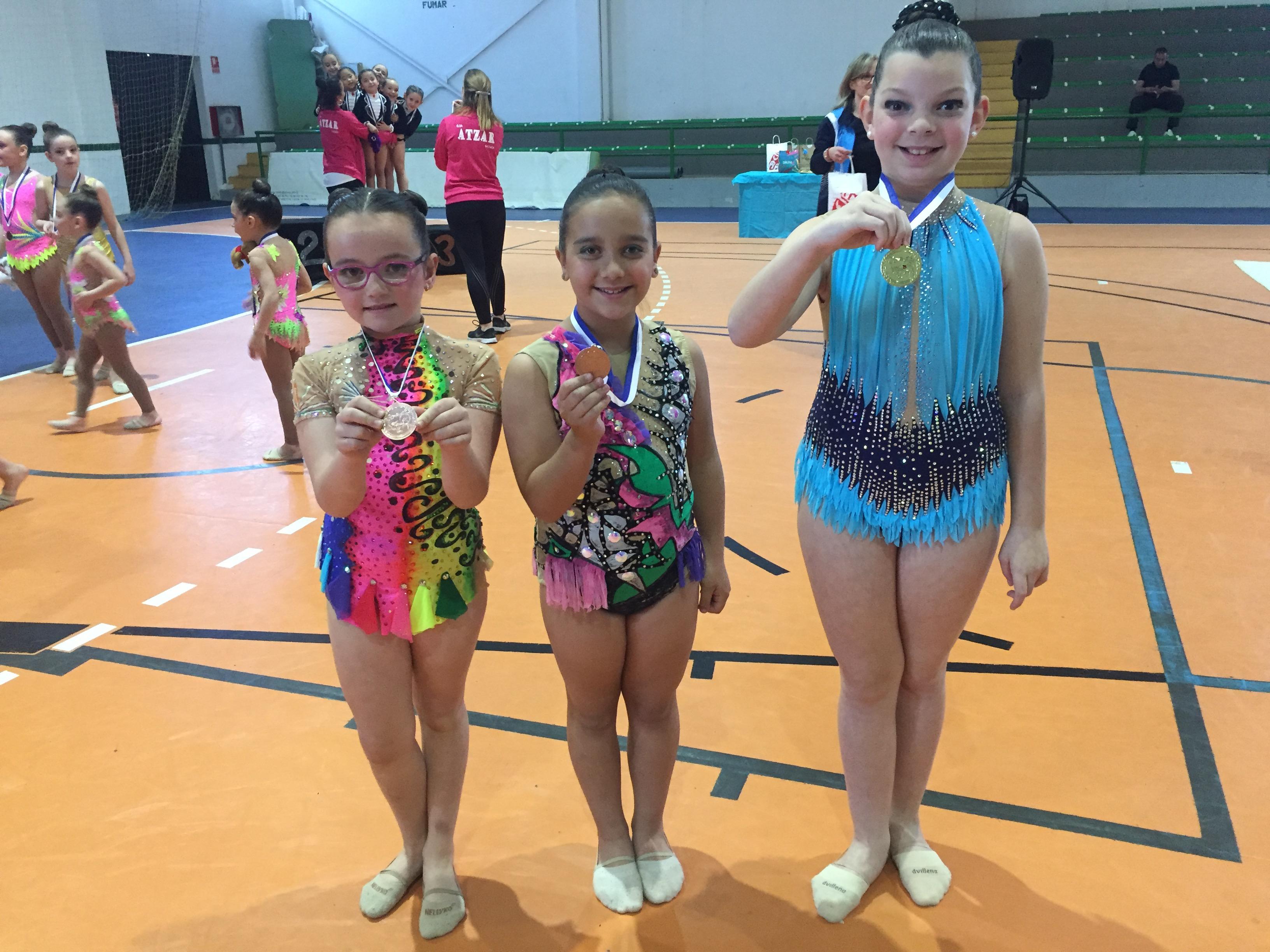 Las jóvenes gimnastas del Club Buñol-Turís.