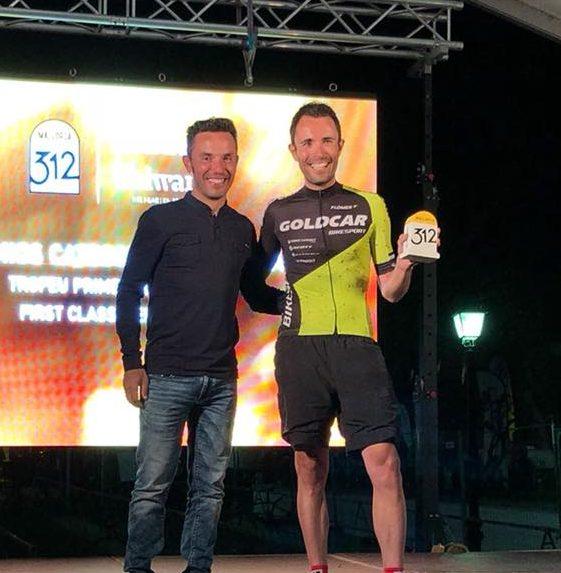 El ciclista turisano Ramón Ballester (derecha).