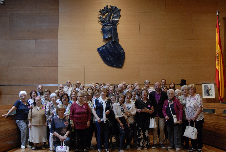 Vecinas y vecinos de Yátova junto al vicepresidente segundo y diputado de Hacienda, Toni Gaspar.