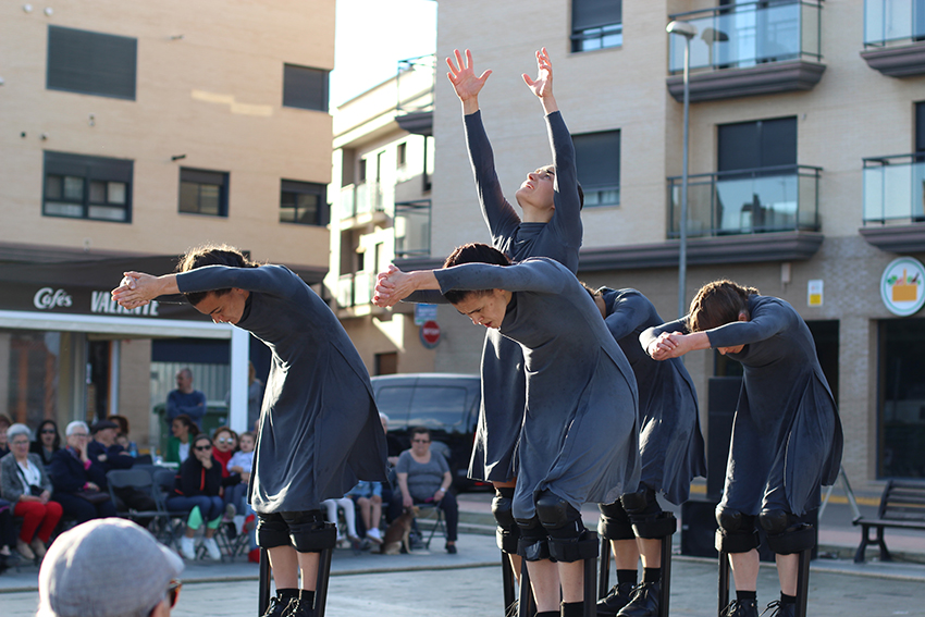 espectáculo de danza interpretado por cinco bailarinas de la compañía valenciana Maduixa Teatre, Mulïer