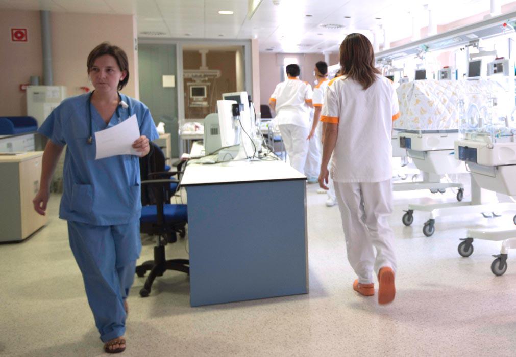 Las nuevas incorporaciones incluyen a facultativos, personal de enfermería, matronas, especialistas o celadores entre otros.