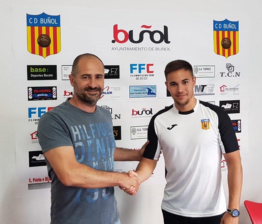 El presidente del CD Buñol junto a Iván Celda.