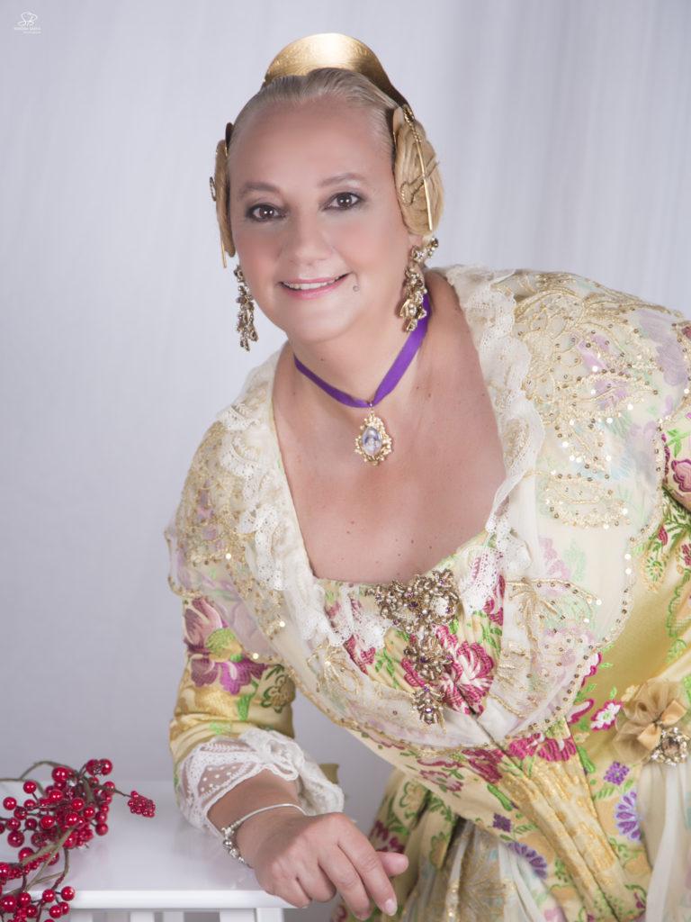 La nueva Fallera Mayor de la Junta Local de Buñol para 2019, Maribel Montaner.