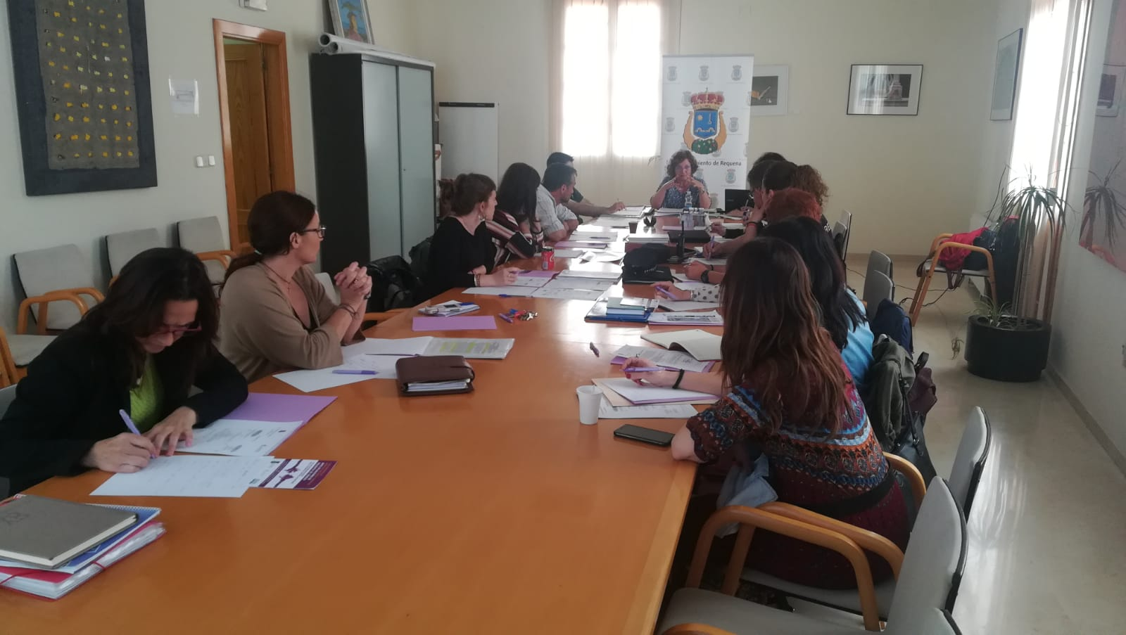 La constitución de la Mesa de Coordinación Multidisciplinar en materia de Violencia de Género se enmarca dentro del acuerdo de la Junta Local de Seguridad del Ayuntamiento de Requena.
