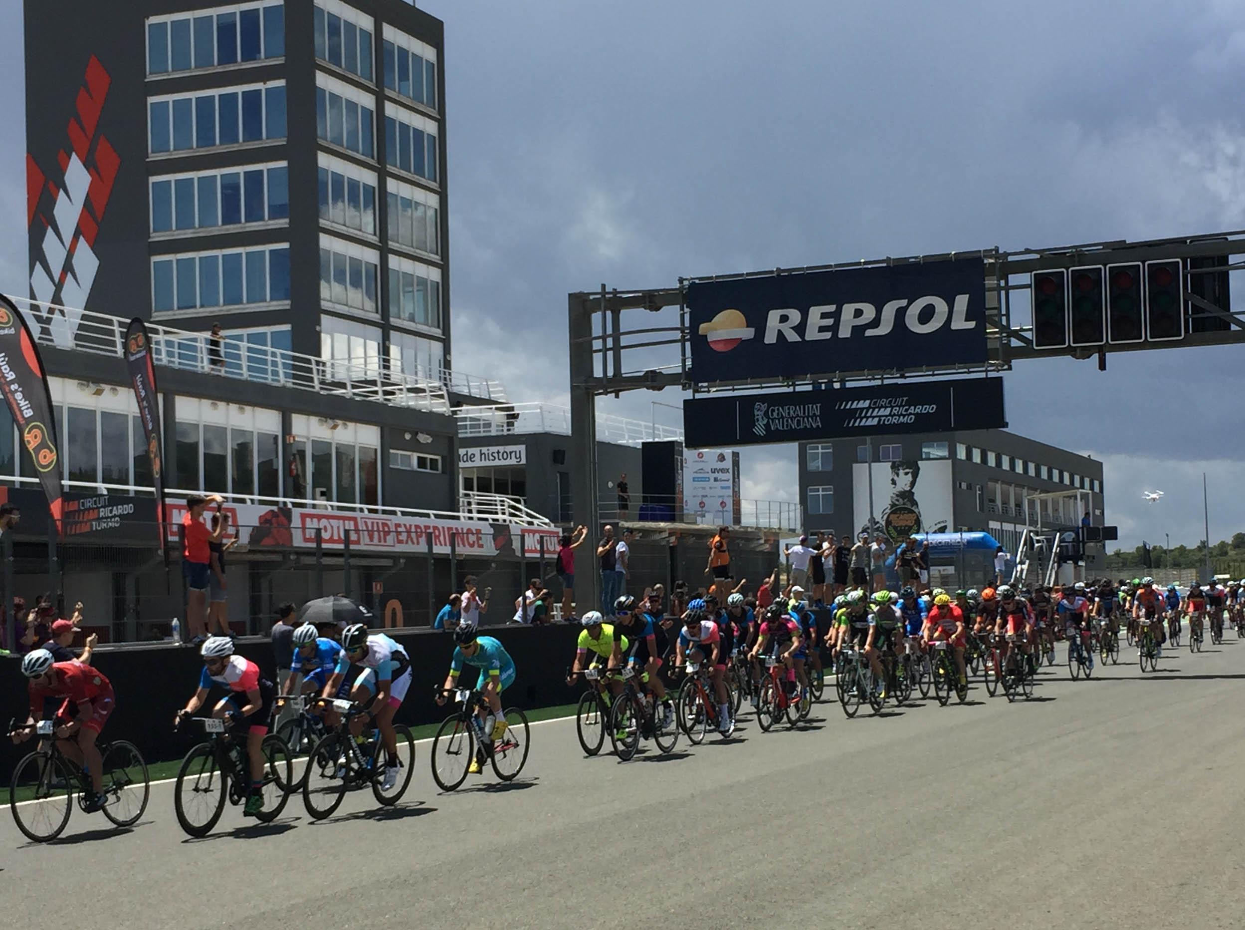 Salida de las 24 horas Cyclo Circuit.