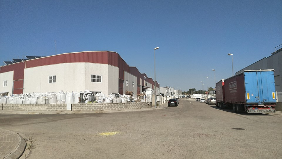 El polígon industrial 'Mes de Tous' explica en l'actualitat amb una superfície de més de 780.000 metres quadrats.